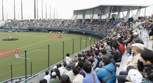 ウエスタン・リーグのソフトバンク―広島1回戦が行われた新 ...