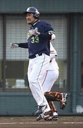 【野球】ヤクルト畠山 登録抹消へ 左膝裏負傷、川端&坂口に続く離脱