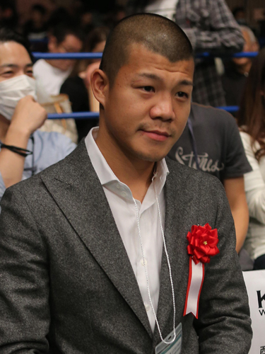 急性アルコール中毒で病院に救急搬送された元プロボクサーの亀田興毅氏 ...