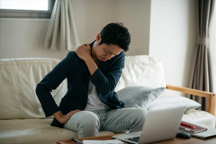 在宅勤務での悩み「運動不足」がトップ