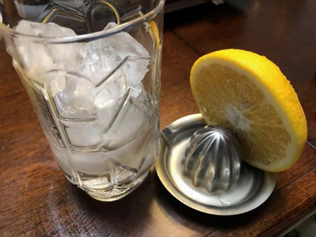 水割りで美味しく飲みたいなら、「硬度」に意識してみよう