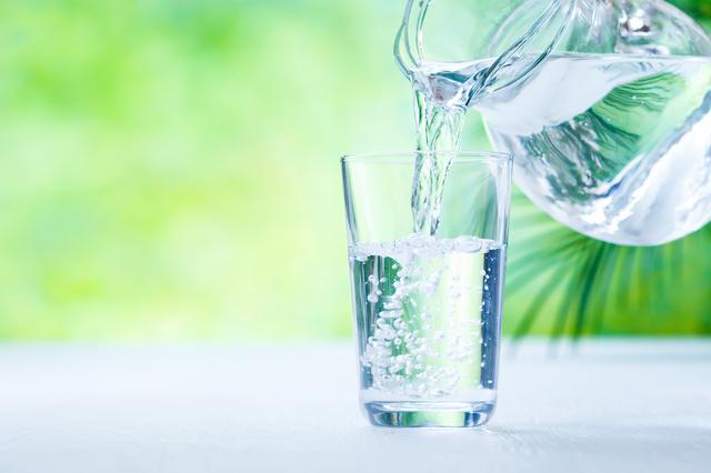 究極の水分補給はやっぱり水!ミネラルウォーターの効果・効能