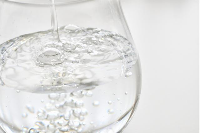 水は少量ずつこまめに摂取すれば良い