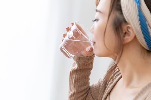 白湯の正しい飲み方