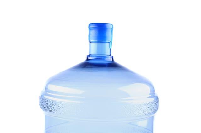 ウォーターサーバーのボトルに水道水は使える?