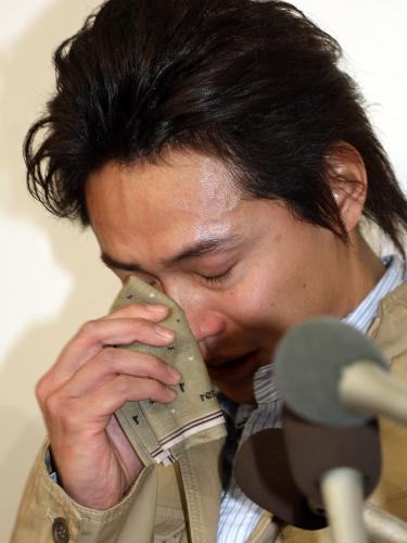 石垣佑磨が4カ月ぶり復帰…涙で更...