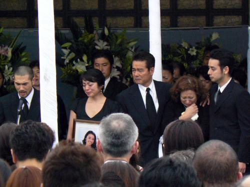 「勝野七奈美 葬儀」の画像検索結果