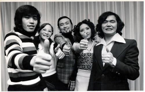 平田隆夫さん(中央)とセルスタ...