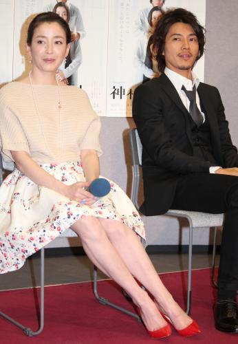 http://www.sponichi.co.jp/entertainment/news/2013/03/05/jpeg/G20130305005328200_view.jpg