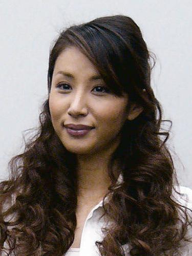 鈴木紗理奈が離婚へ 夫の度重なる浮気に耐えられず