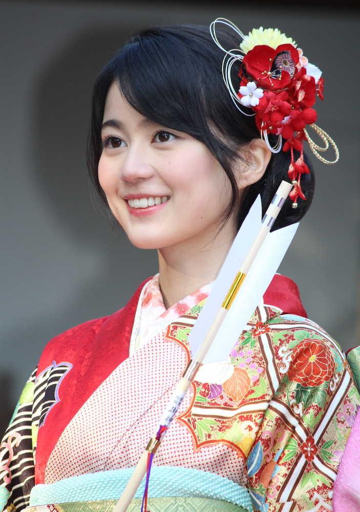 生田絵梨花 乃木坂46成人式で笑顔「行きつけのバー作りたい」