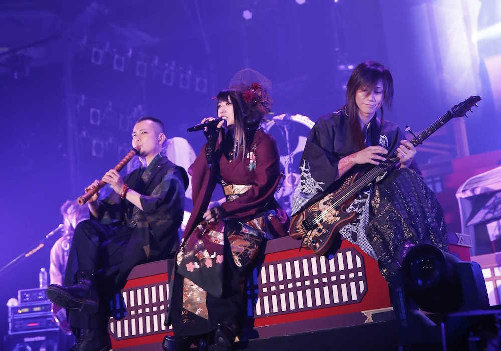 ライブ バンド 和 楽器