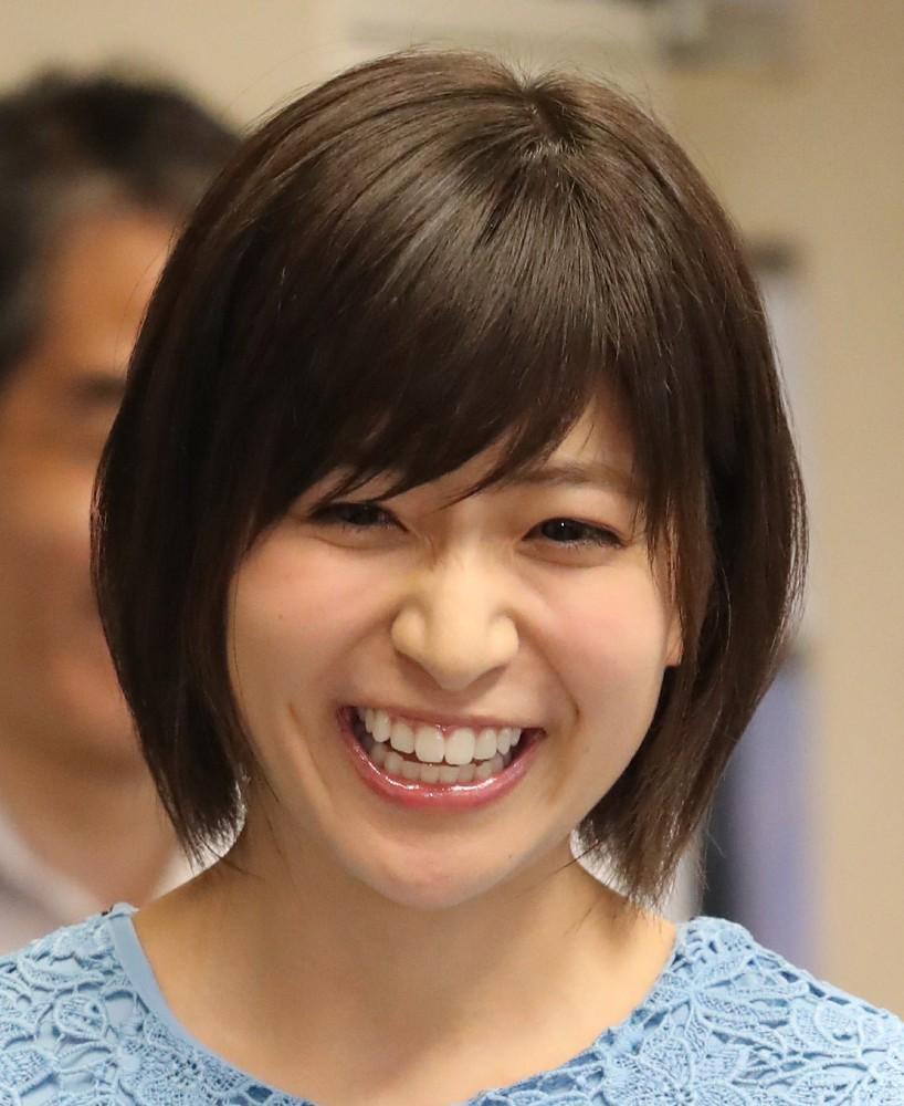 くしゃっとした笑顔の南沢奈央