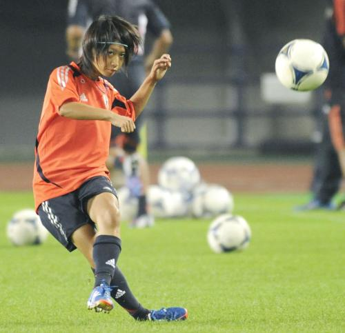 http://www.sponichi.co.jp/soccer/news/2012/08/18/jpeg/G20120818003931390_view.jpg