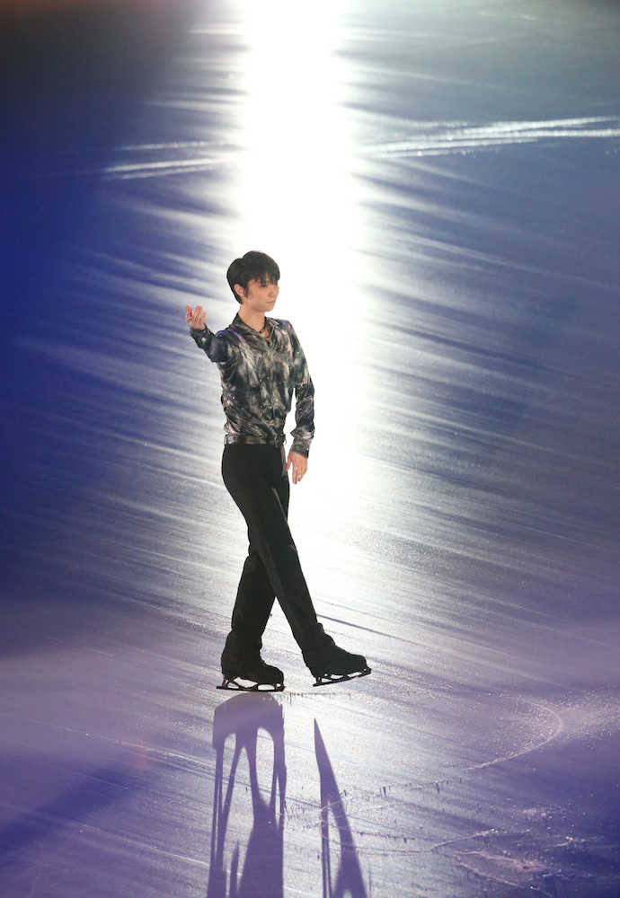 「CONTINUES With WINGS」ファンの前に登場した羽生結弦(撮影・小海途 良幹)