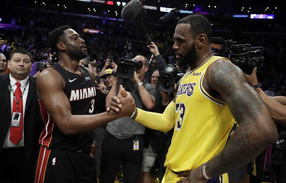 「写真 スポーツ 握手」の画像検索結果